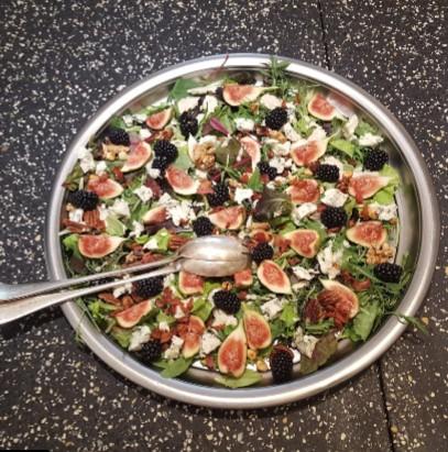salade met verse vijgen